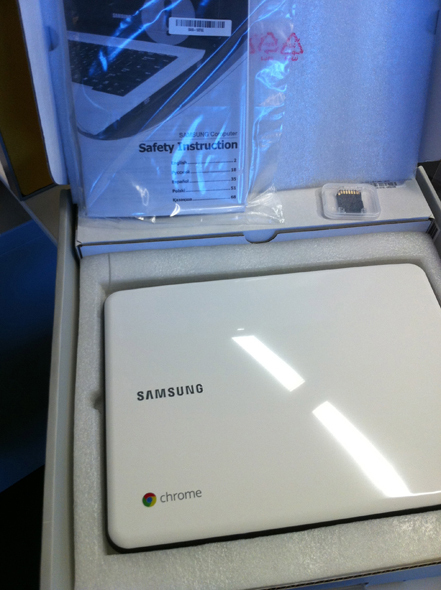 Samsung Chromebook: Hands-On Visual Tour